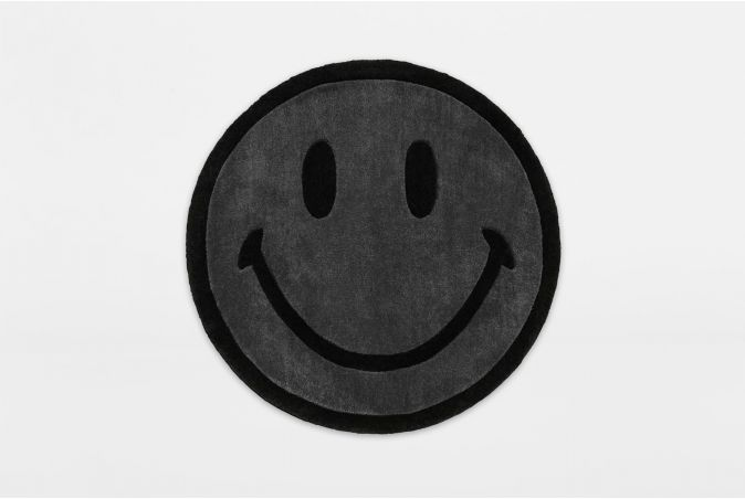 Smiley Monochrome Rug 6ft