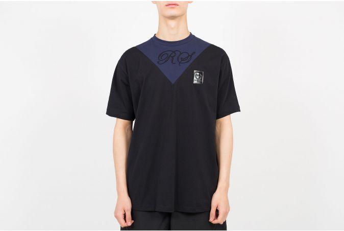 V-Insert T-Shirt