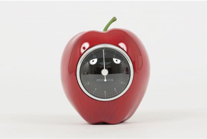 x Undercover Gilapple Clock