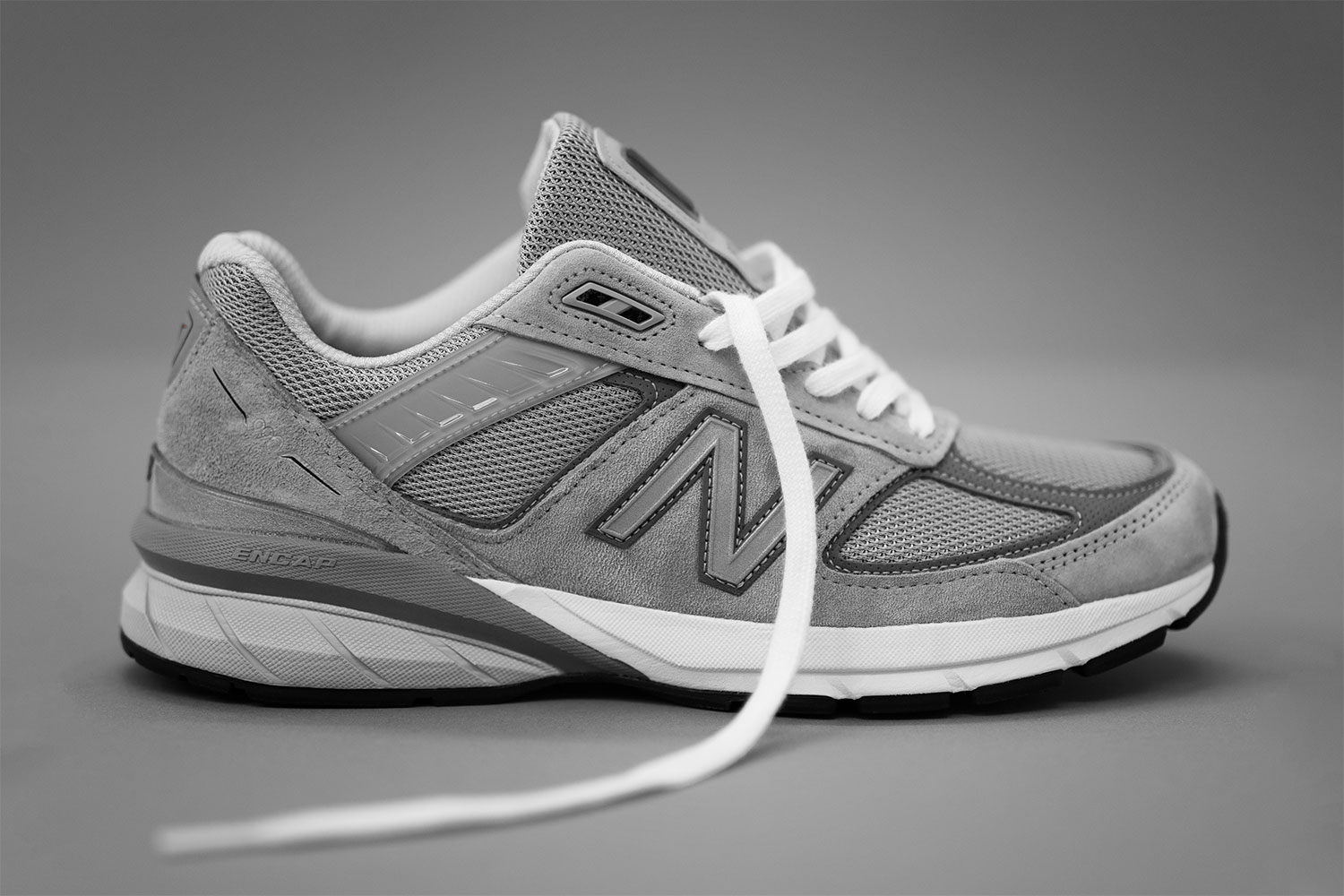 release date 22e09 bbb5a New Balance M990v5
